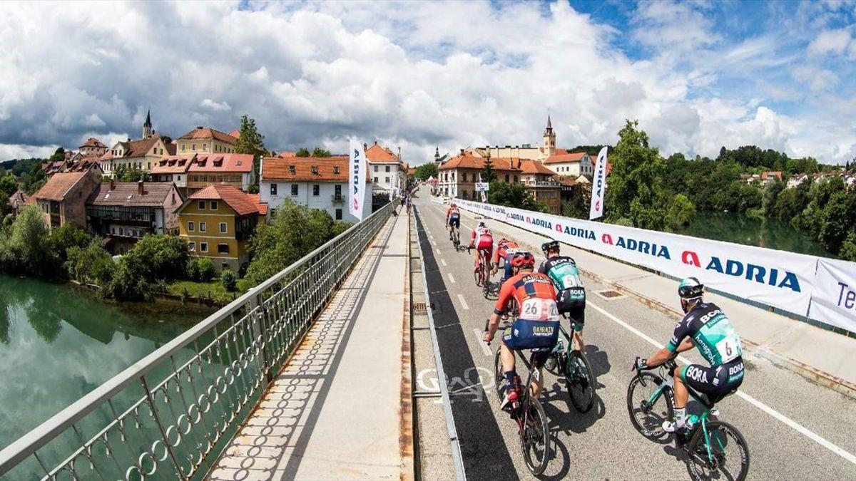 Тур Словении