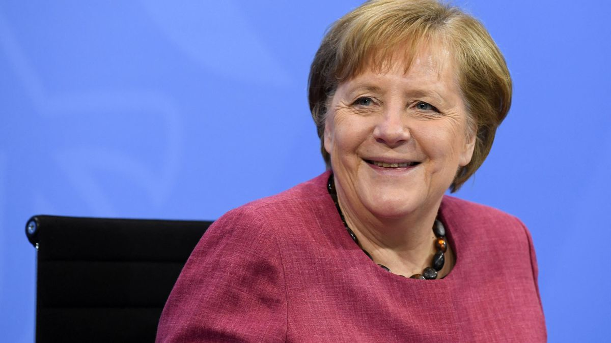Angela Merkel hat das DFB-Team auf die EM eingestimmt
