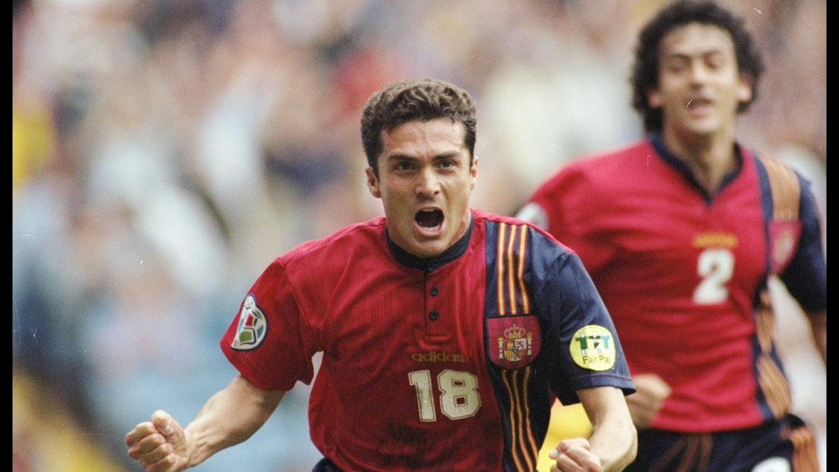 Guillermo Amor celebra su gol en el Rumanía-España de la Eurocopa de 1996