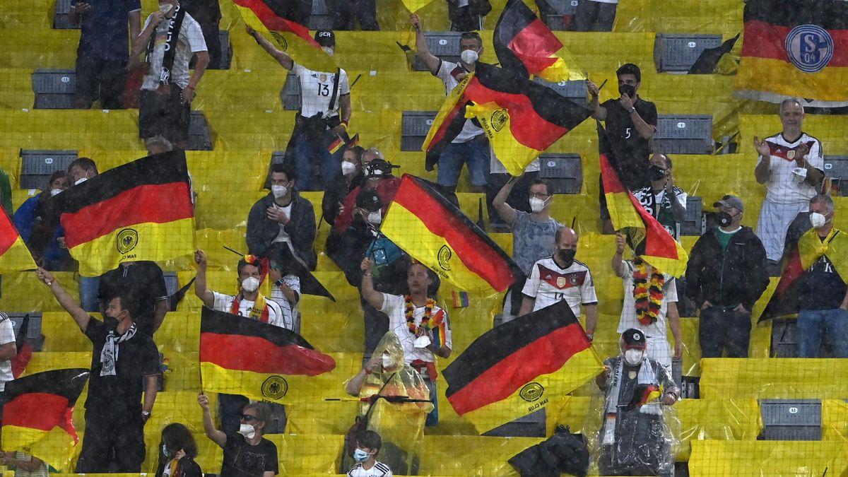 Montgomery: DFB-Fans sollten nicht nach London reisen