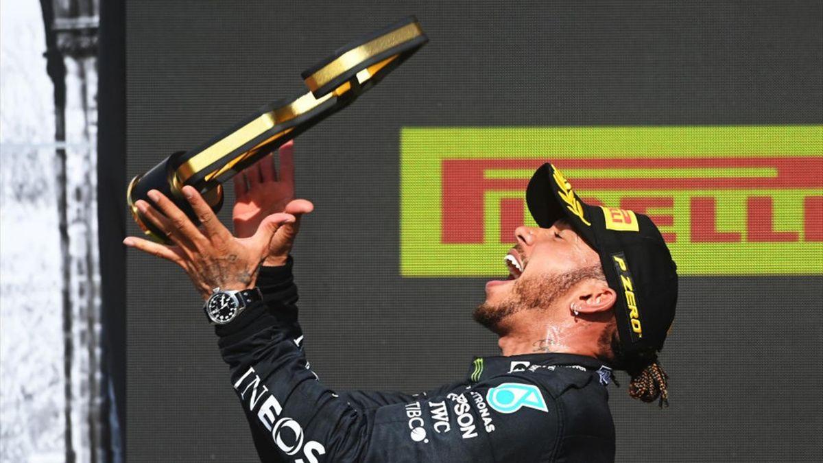 Resumen GP de Gran Bretaña: Hamilton da un golpe sobre la mesa
