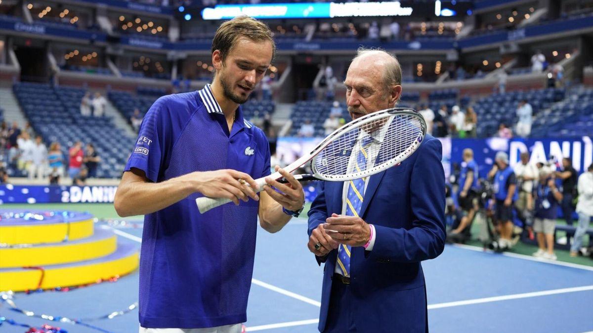 Daniil Medvedev junto a Stan Smith
