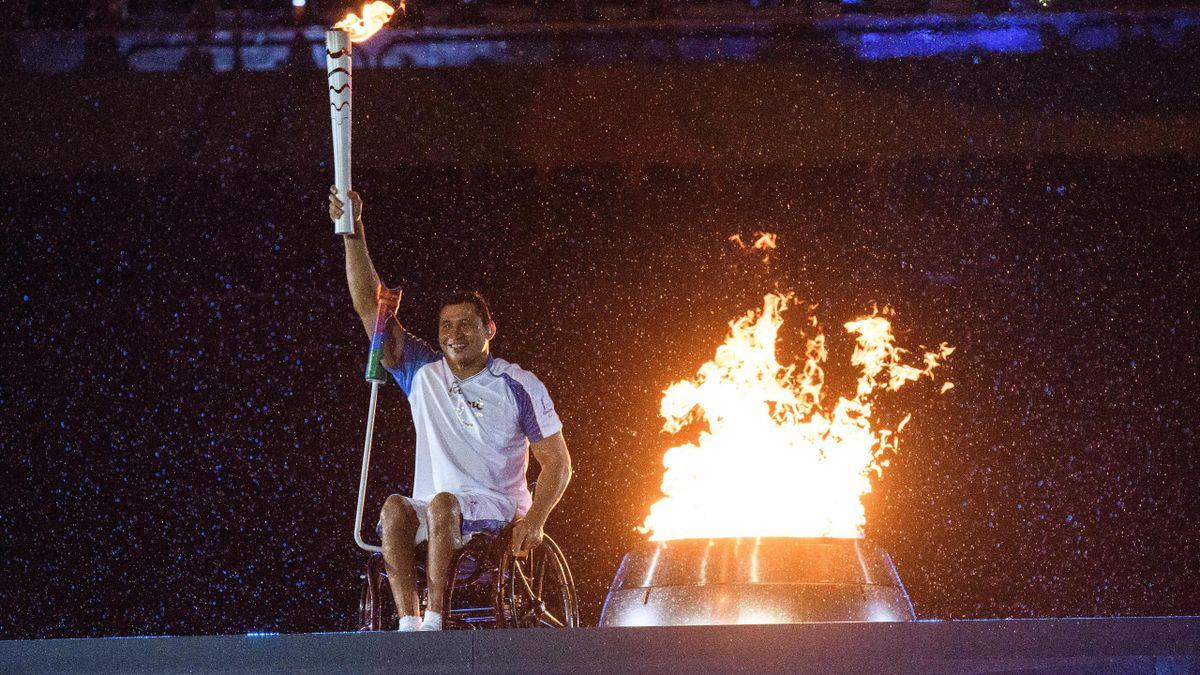 Le nageur brésilien Clodoaldo Silva a allumé la vasque Le nageur brésilien Clodoaldo Silva a allumé la vasque aux Jeux paralympiques - 2016- 2016