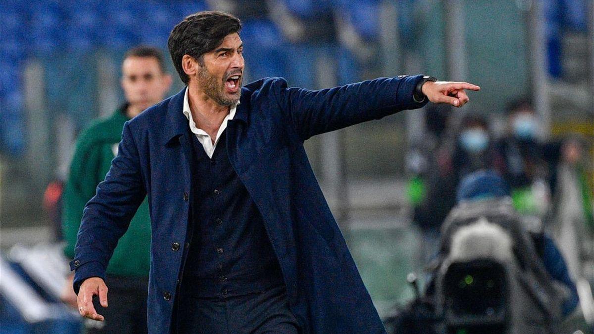 Paulo Fonseca sulla panchina della Roma - Stagione 2020-21