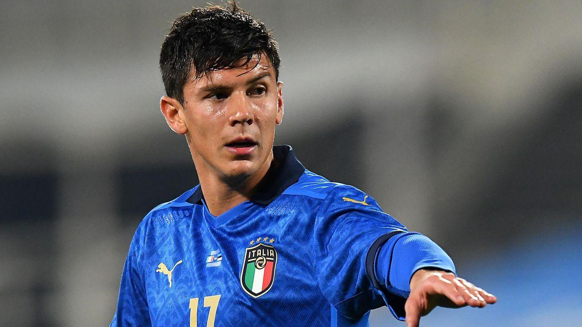 Matteo Pessina con la maglia della Nazionale contro l'Estonia