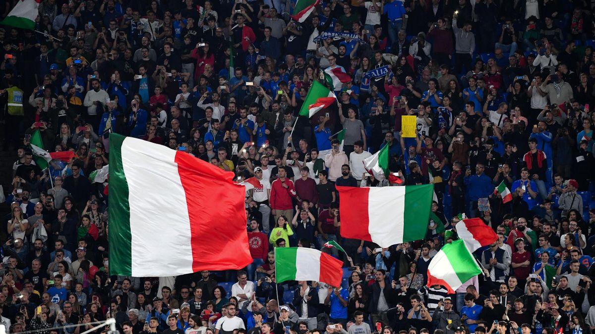 I tifosi italiani allo Stadio Olimpico: c'è l'ok del governo per l'aperuta dell'Olimpico al pubblico per le partite di UEFA EURO 2020