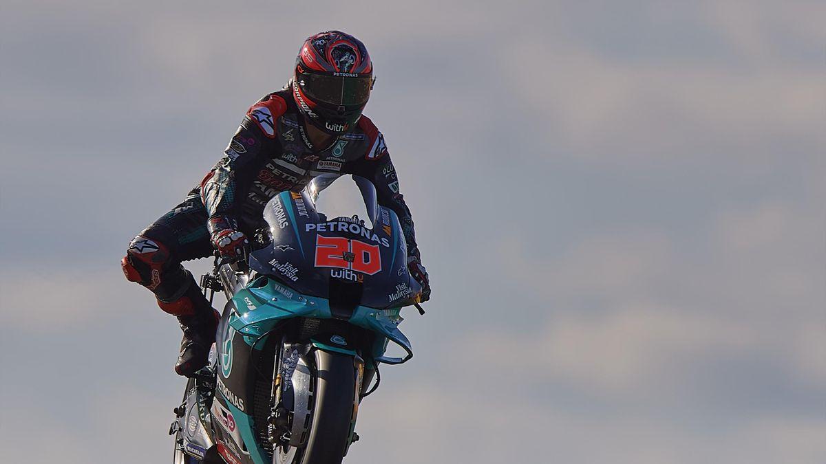 Fabio Quartararo of France and Petronas Yamaha SRT rides during the qualifying for the MotoGP of Aragon at Motorland Aragon Circuit on October 17, 2020 in Alcaniz, Spain