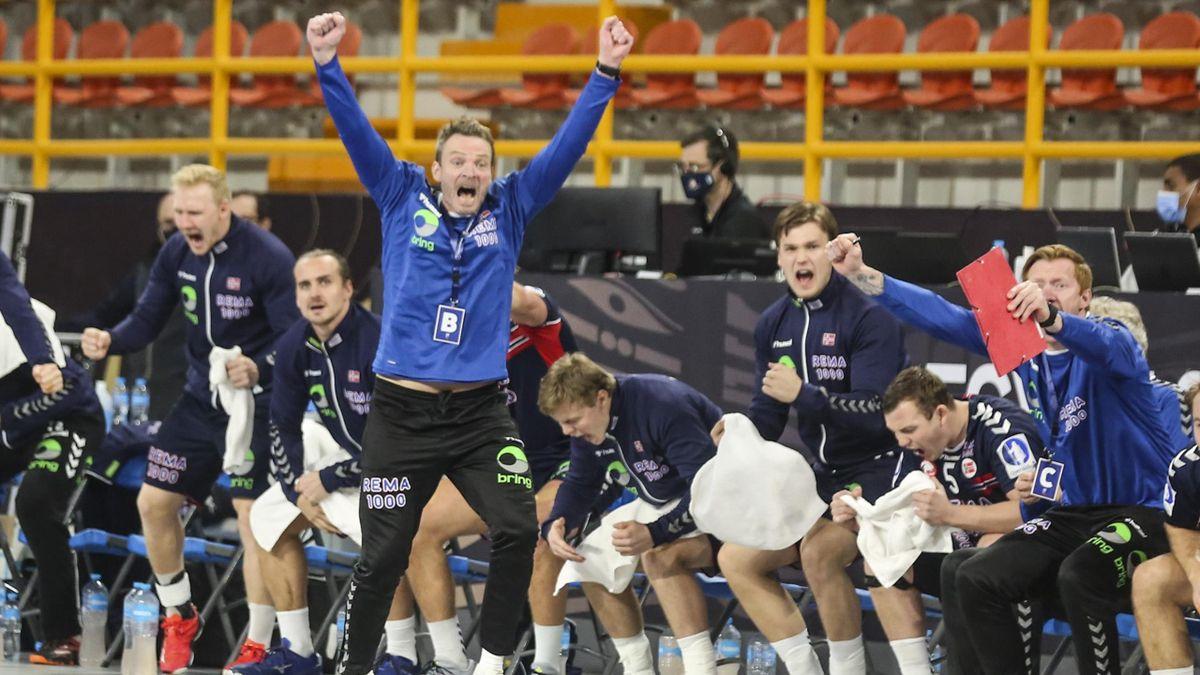Trener Christian Berge jubler.