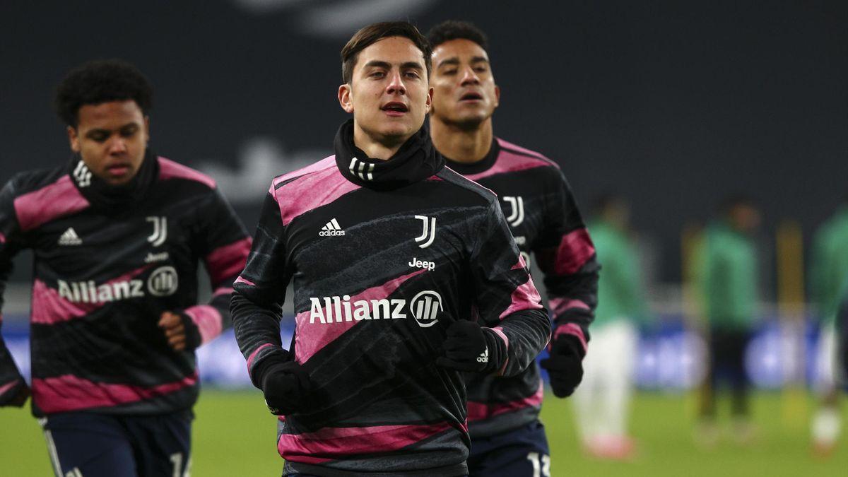 Paulo Dybala (Mitte) und Weston McKennie (l.) gehören vorerst nicht mehr zum Juventus-Kader