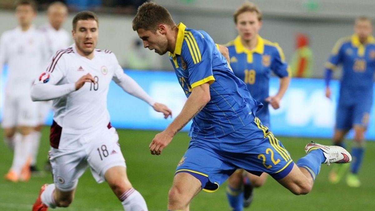 Артем Кравец (Украина) в матче со сборной Латвии