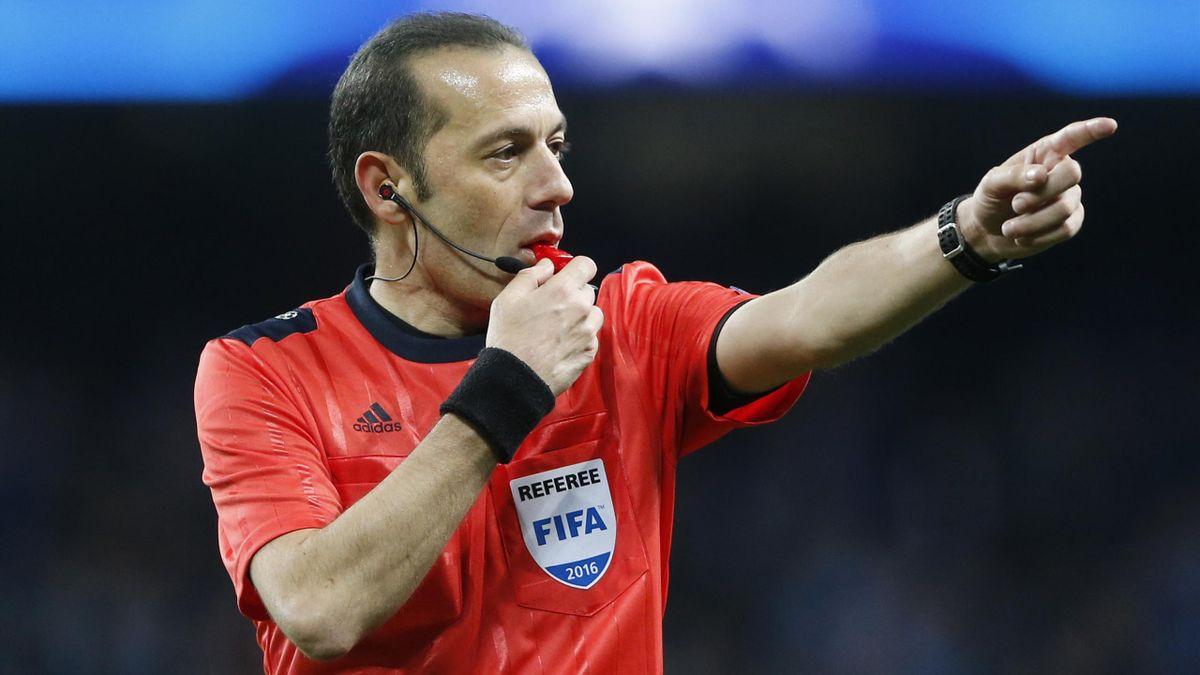 Cüneyt Cakir leitet das Rückspiel von Bayern München