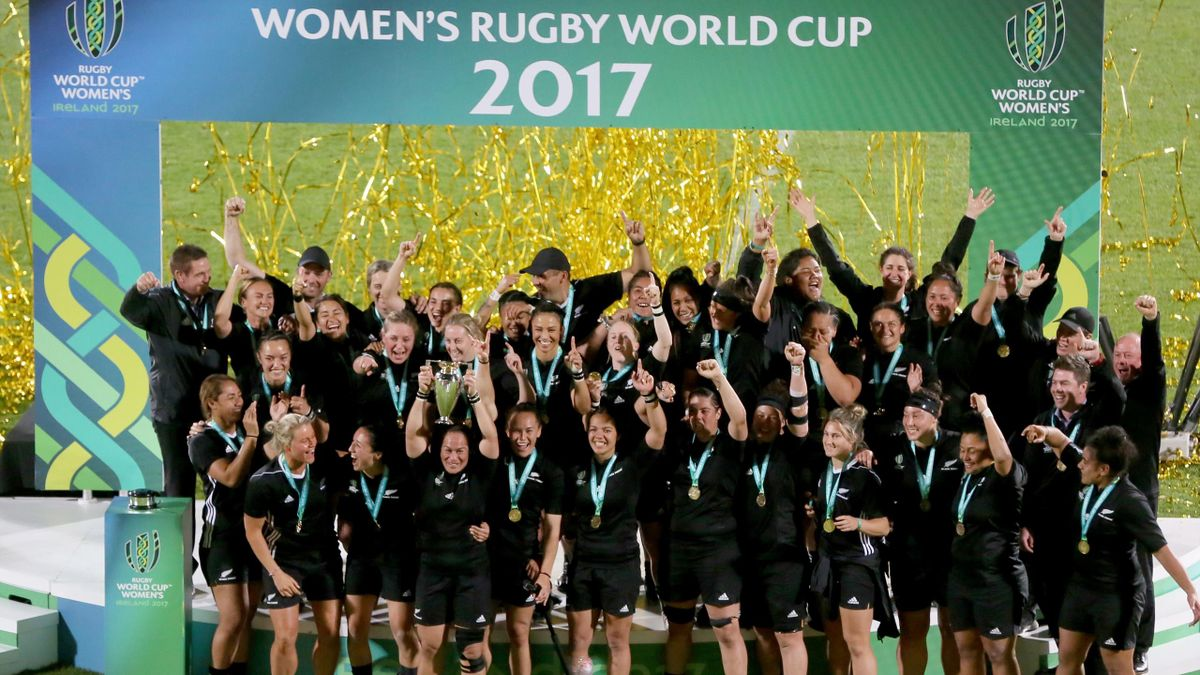 New Zealand celebrate winning the 2017 Women's Rugby World Cup