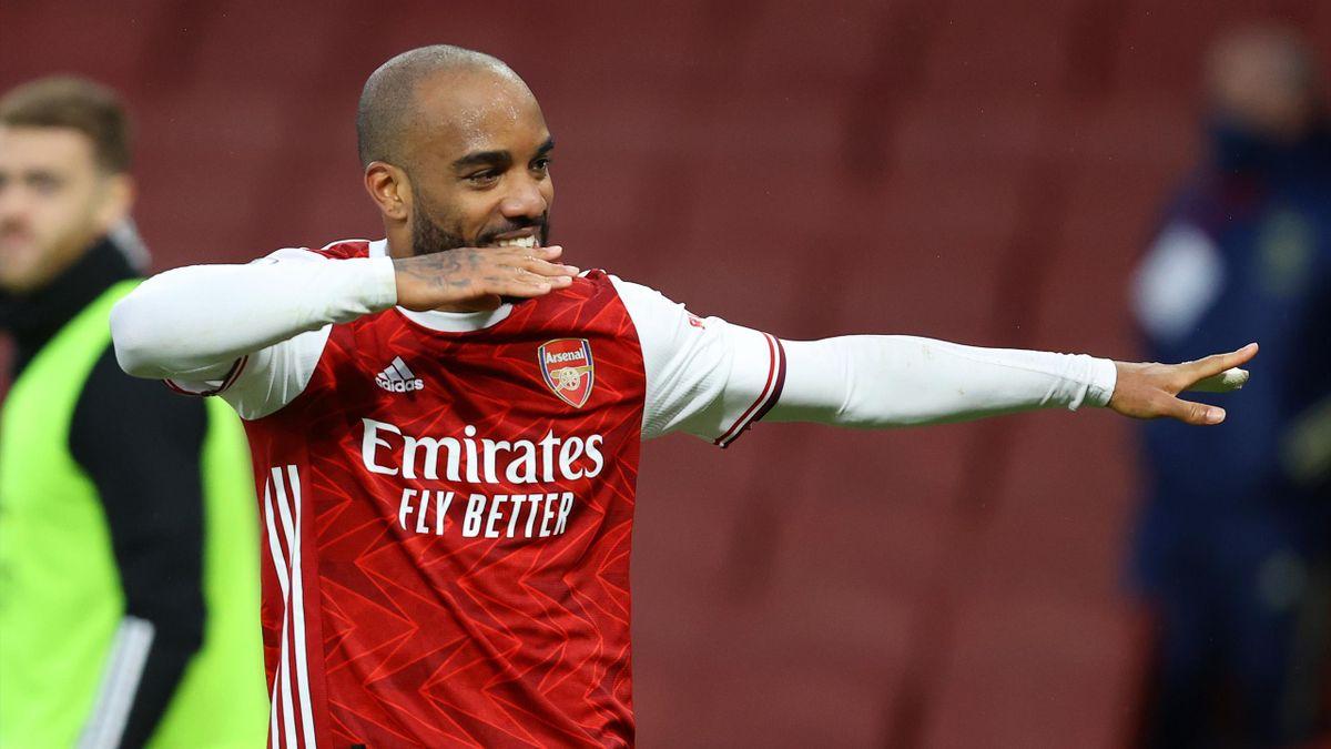Alexandre Lacazette of Arsenal celebrates