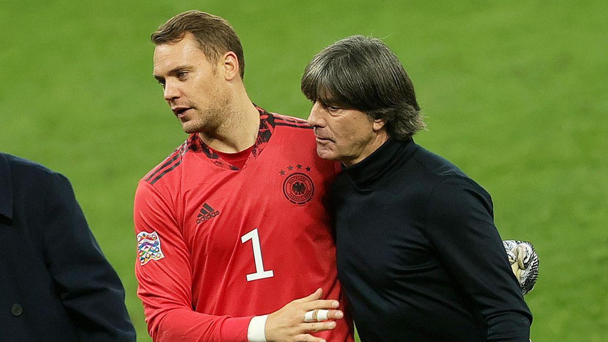 Manuel Neuer (links) mit Joachim Löw