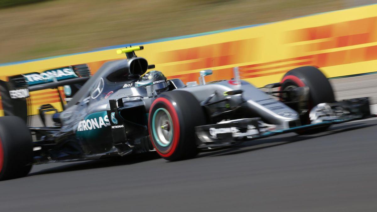 Nico Rosberg fastest in practice.