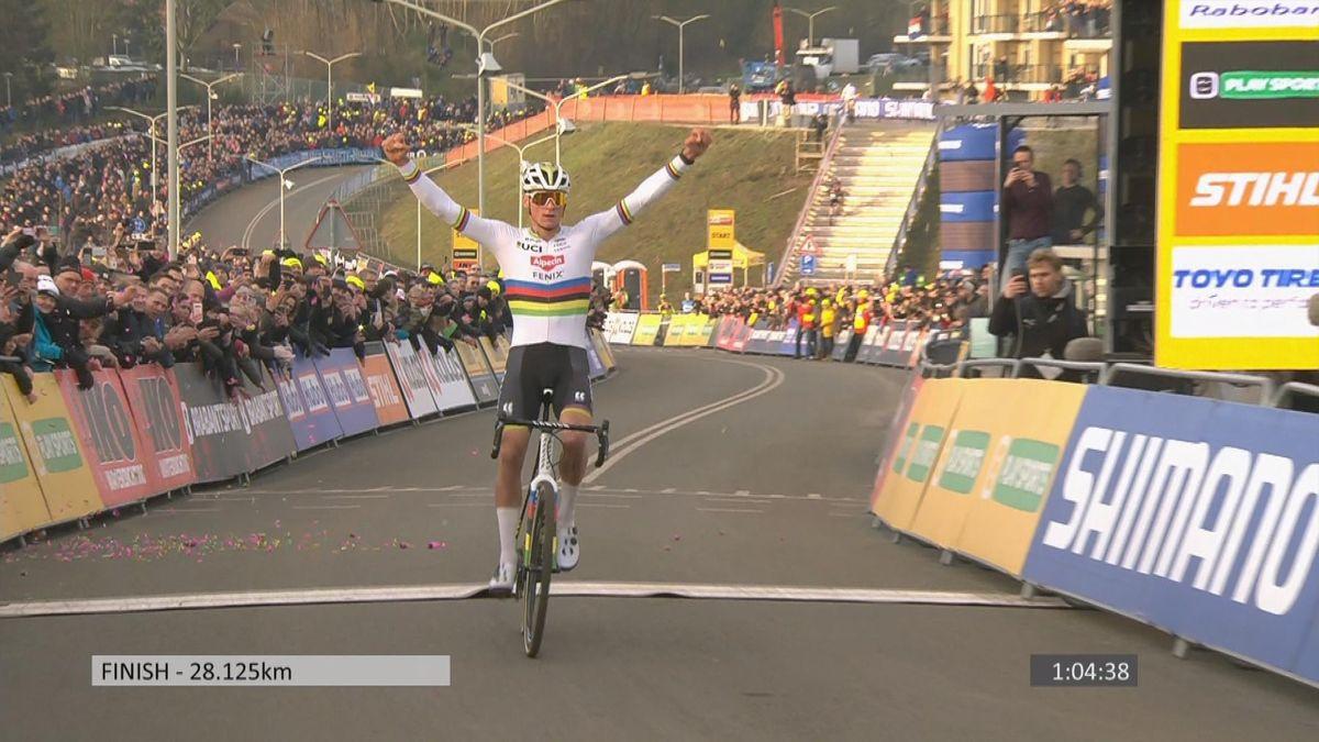 Cyclo-cross : men finish : Winner Van der Poel