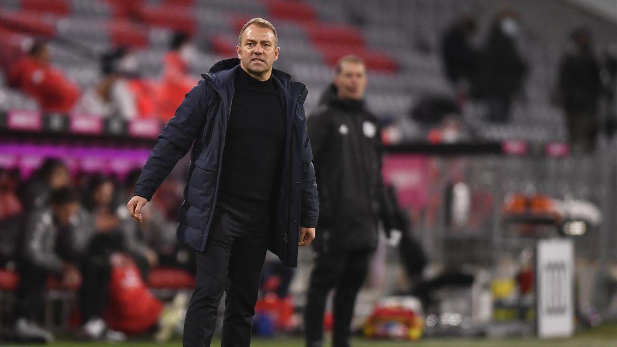 Hansi Flick war unzufrieden über die erste Hälfte des FC Bayern gegen Mainz 05