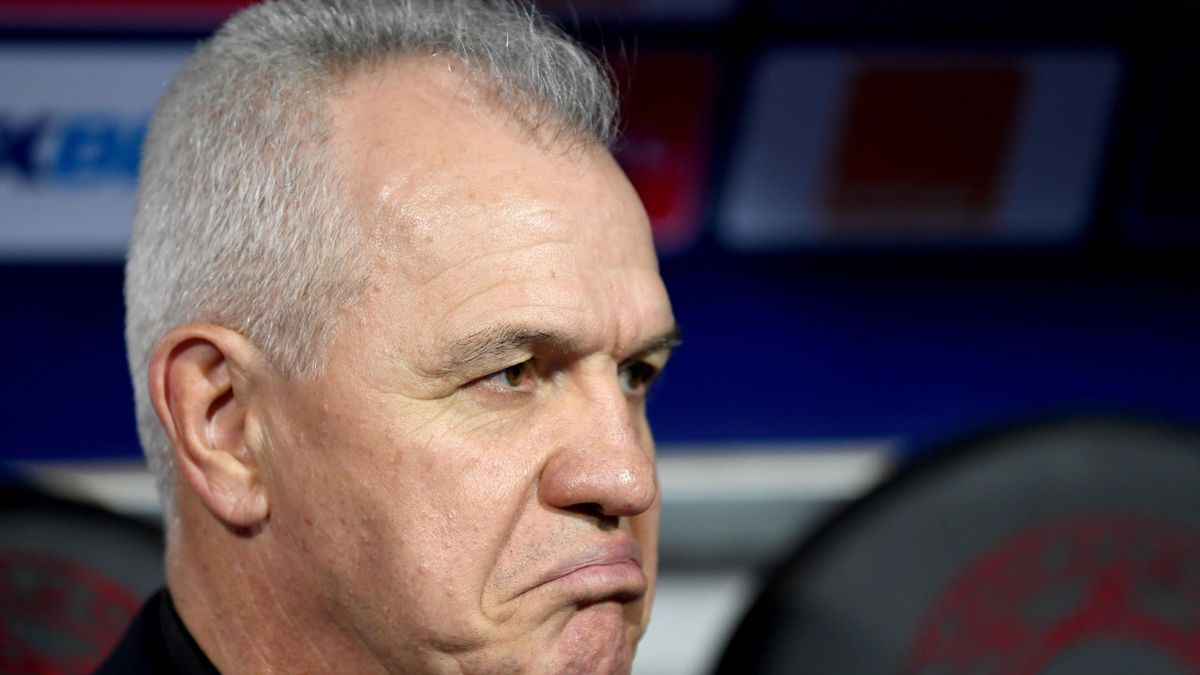 Egypt's coach Javier Aguirre looks on prior to the 2019 Africa Cup of Nations (CAN) football match between Egypt and DR Congo at the Cairo International Stadium on June 26, 2019