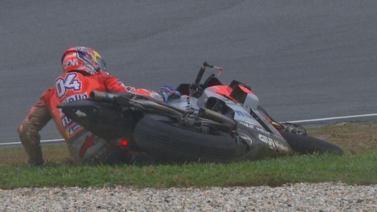Malaysia GP - Moto GP Q2 - Crash Dovizioso