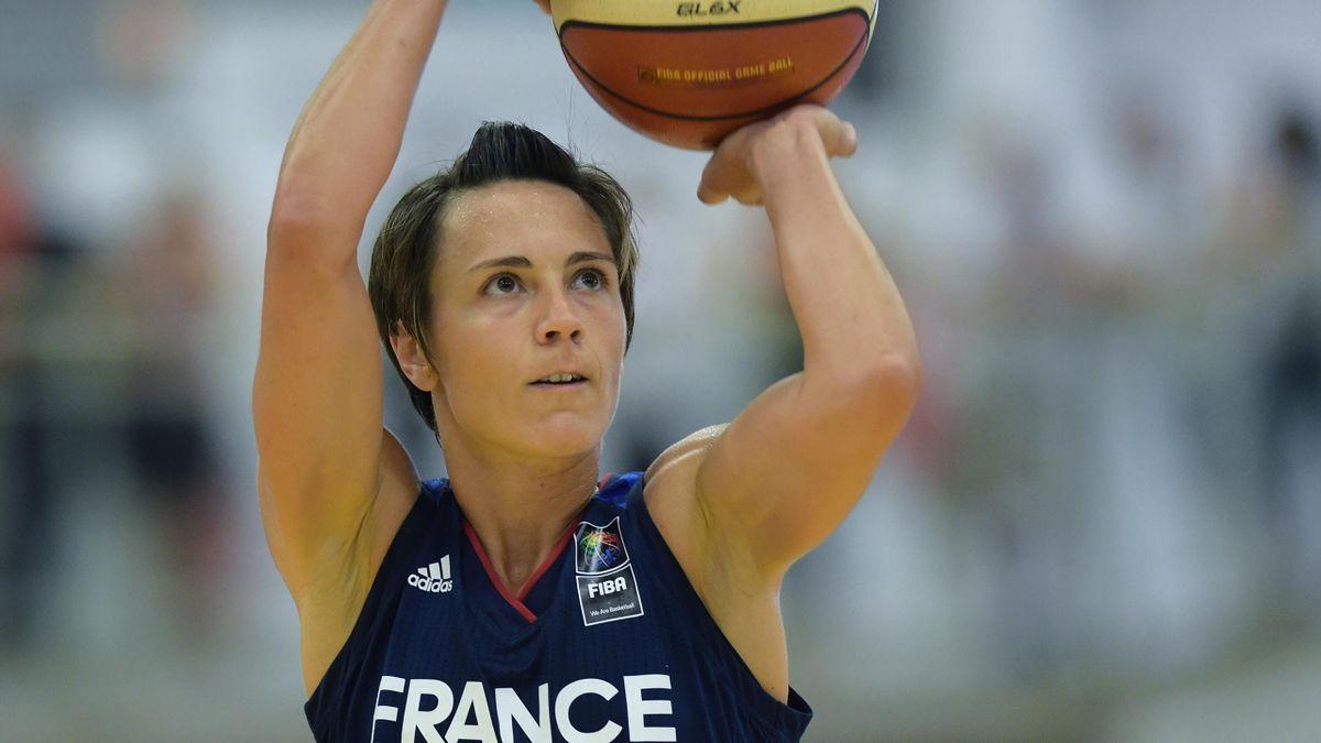Céline Dumerc avec les Bleues le 1er juin 2017.
