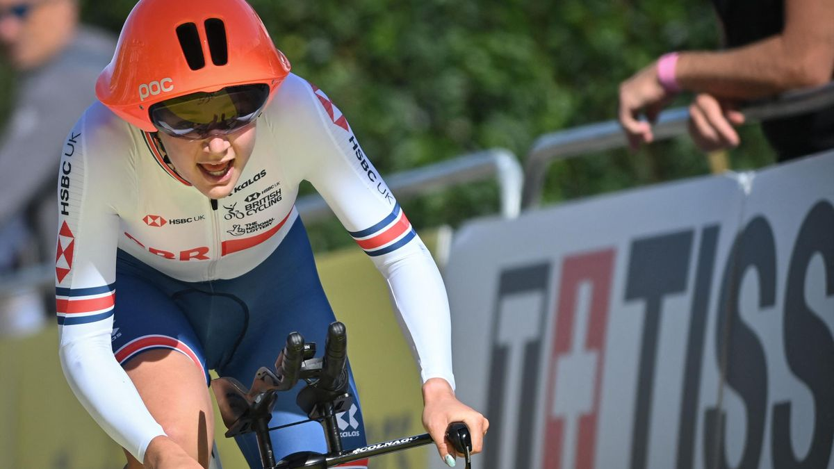 World Championships: Zoe Backstedt claims silver behind Ivanchenko in women's junior time trial