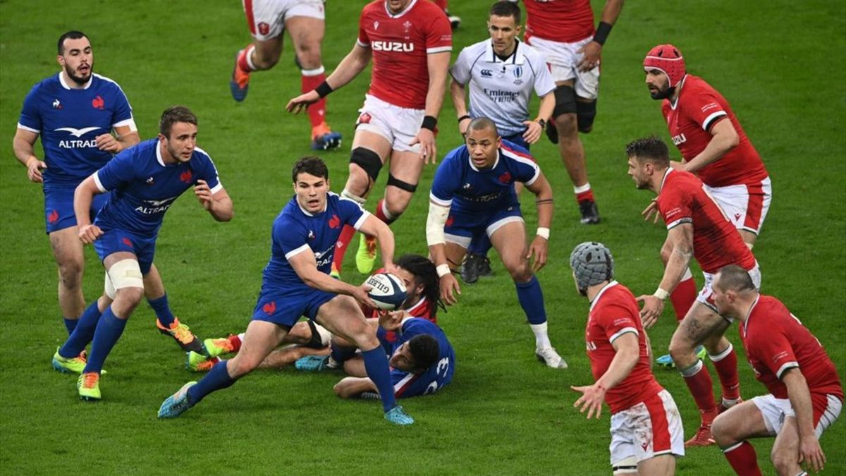 Antoine Dupont in azione durante Francia-Galles - Sei Nazioni 2021 - Getty Images