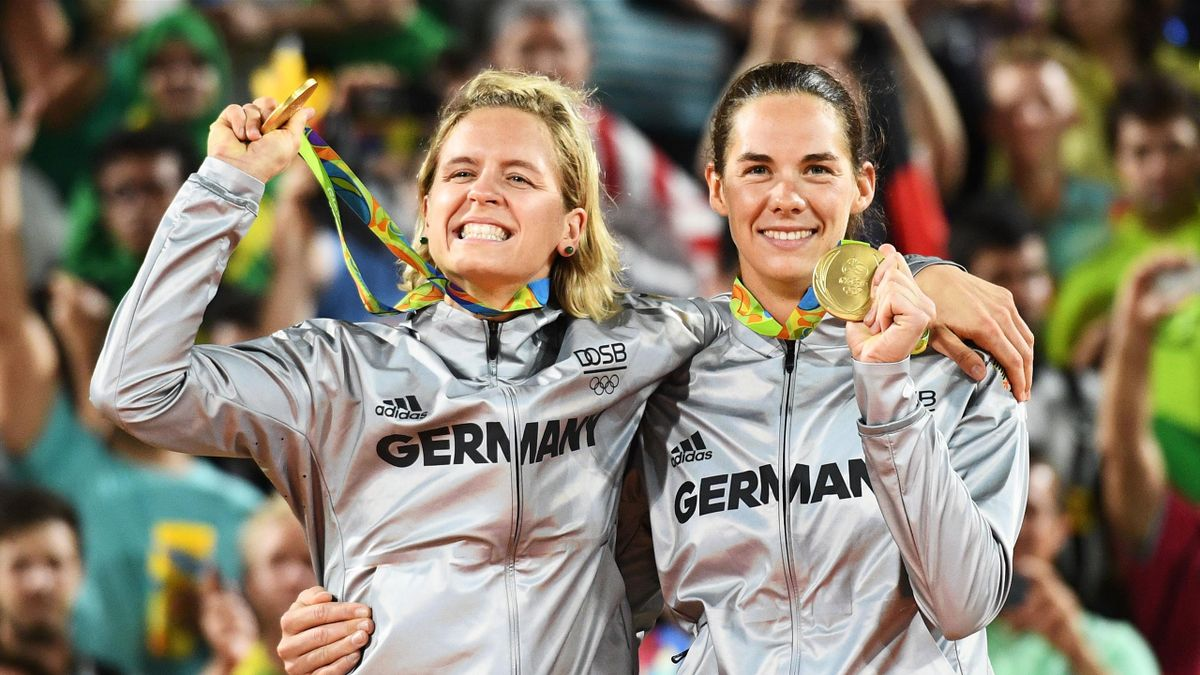 Laura Ludwig (links) and Kira Walkenhorst gewannen bei Olympia 2016 die Goldmedaille