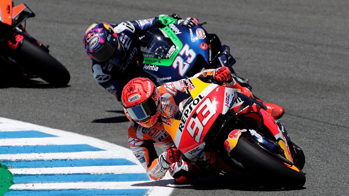 Enea Bastianini (Avintia) y Marc Márquez (Honda). GP España de MotoGP 2021