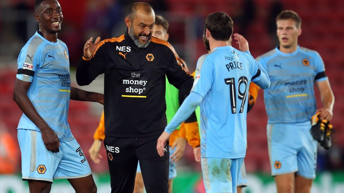 Sylvain Deslandes (stânga), într-un meci din Cupa Ligii Angliei