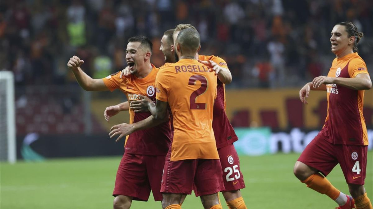 Moruțan a fost printre cei mai buni de pe teren în Galatasaray - Lazio 1-0