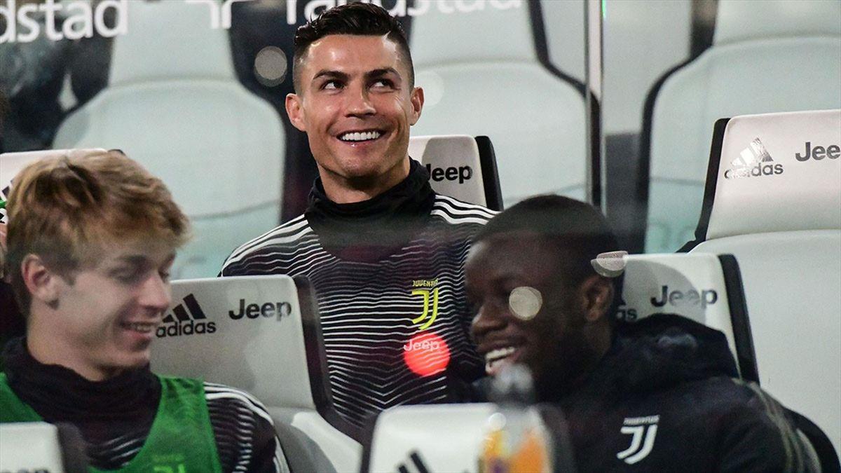 Ronaldo, într-unul din puținele momente când e pe banca lui Juventus