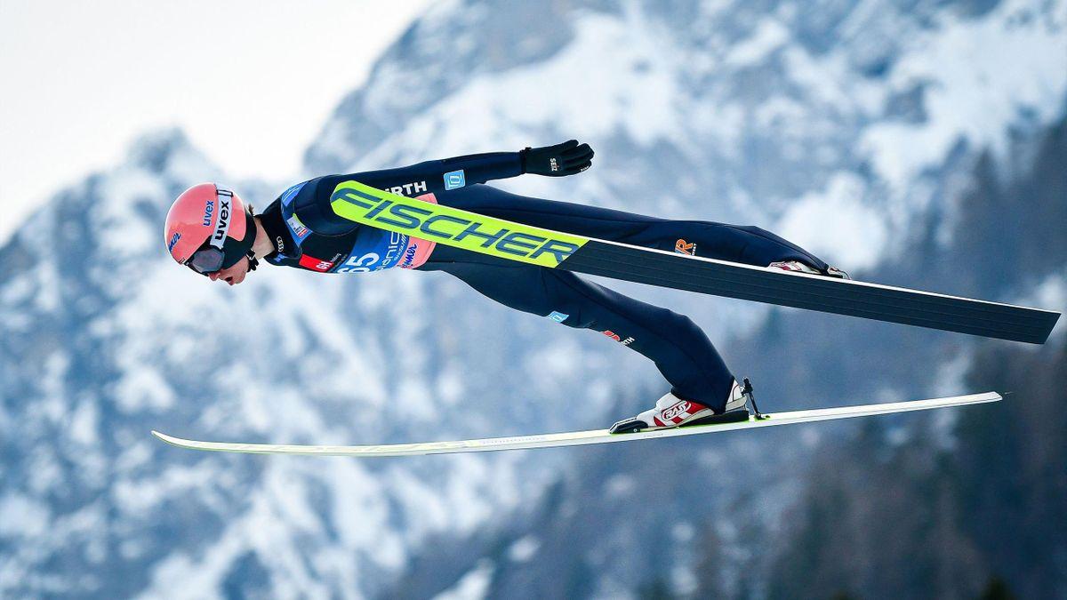 Karl Geiger beim Skifliegen in Planica