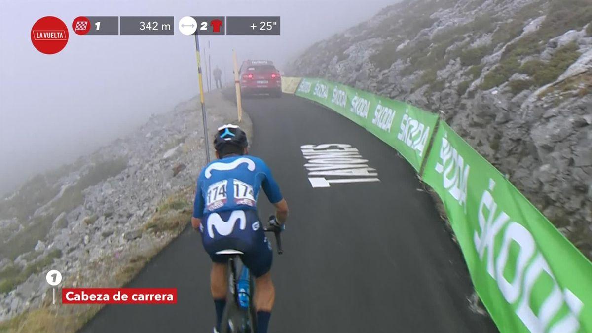 La Vuelta   Superman López wint op supercol en komt als eerste uit de mist