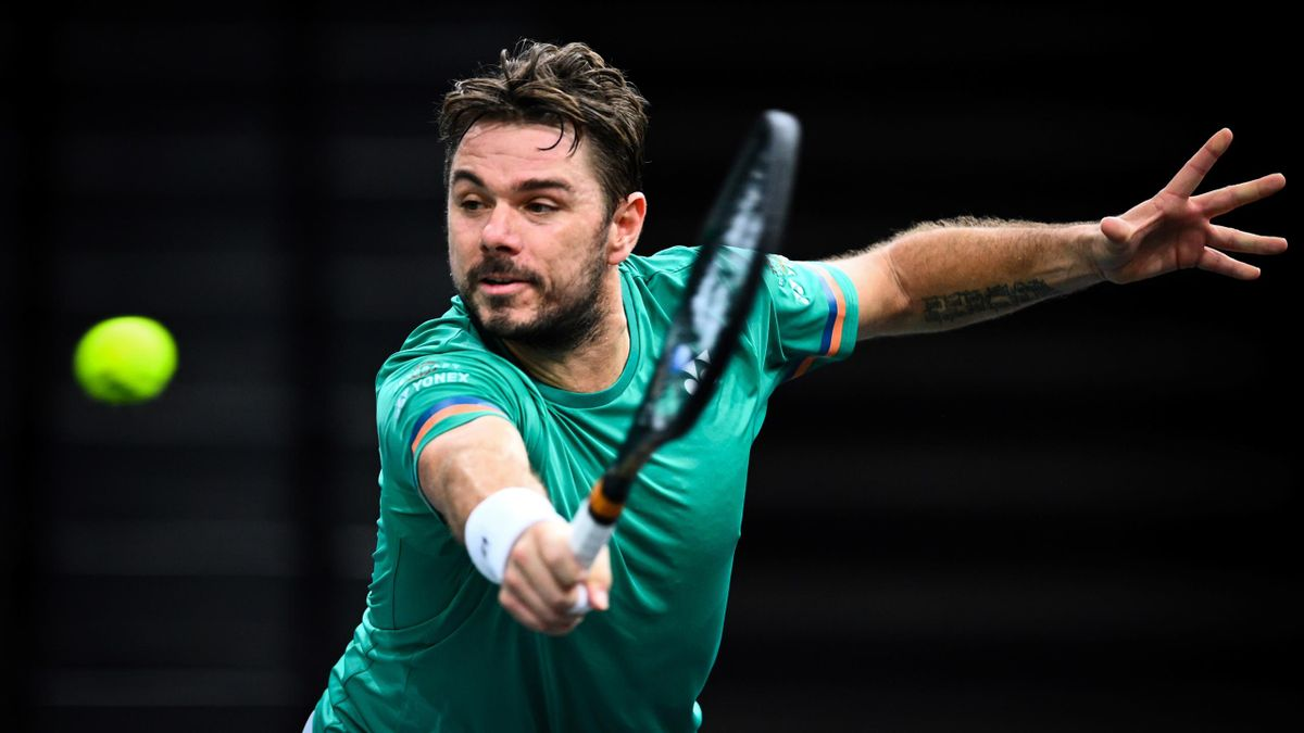 Stan Wawrinka beat Dan Evans in Paris