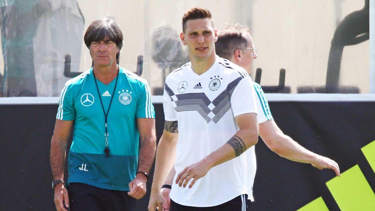 Bundestrainer Löw mit Süle