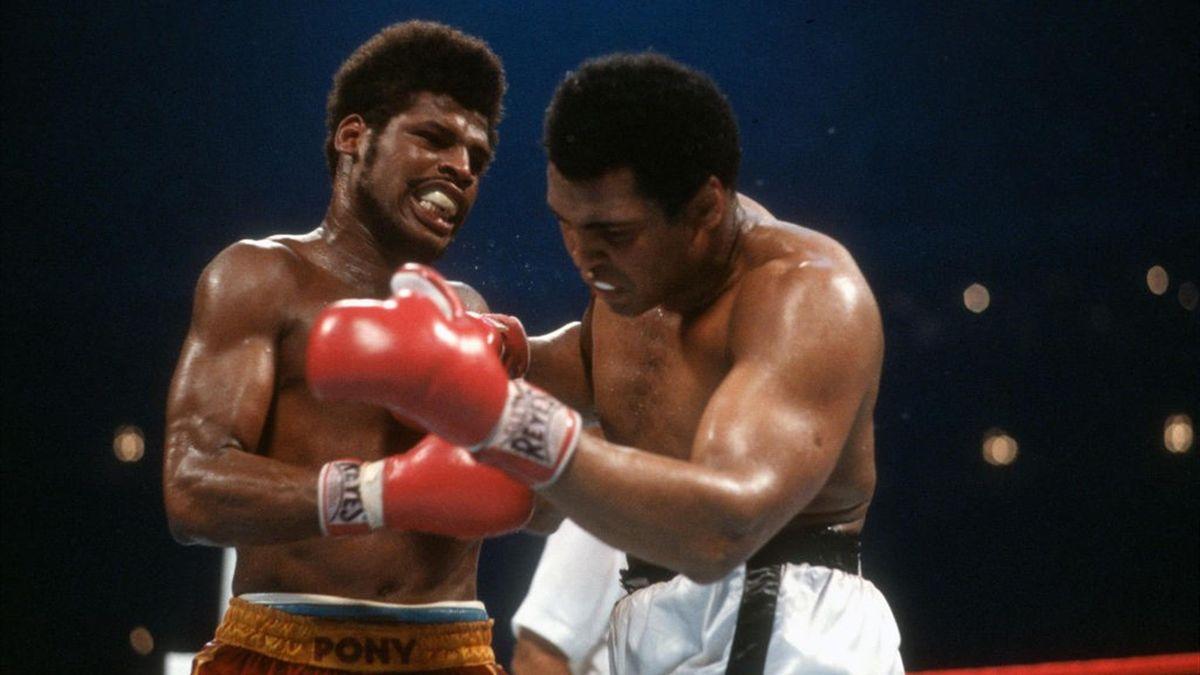 Leon Spinks e Muhammad Ali sul ring di New Orleans nel 1978