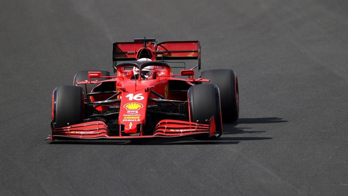 La Ferrari di Charles Leclerc durante le prove libere del Gran Premio di Turchia, valido per il Mondiale 2021 di Formula 1