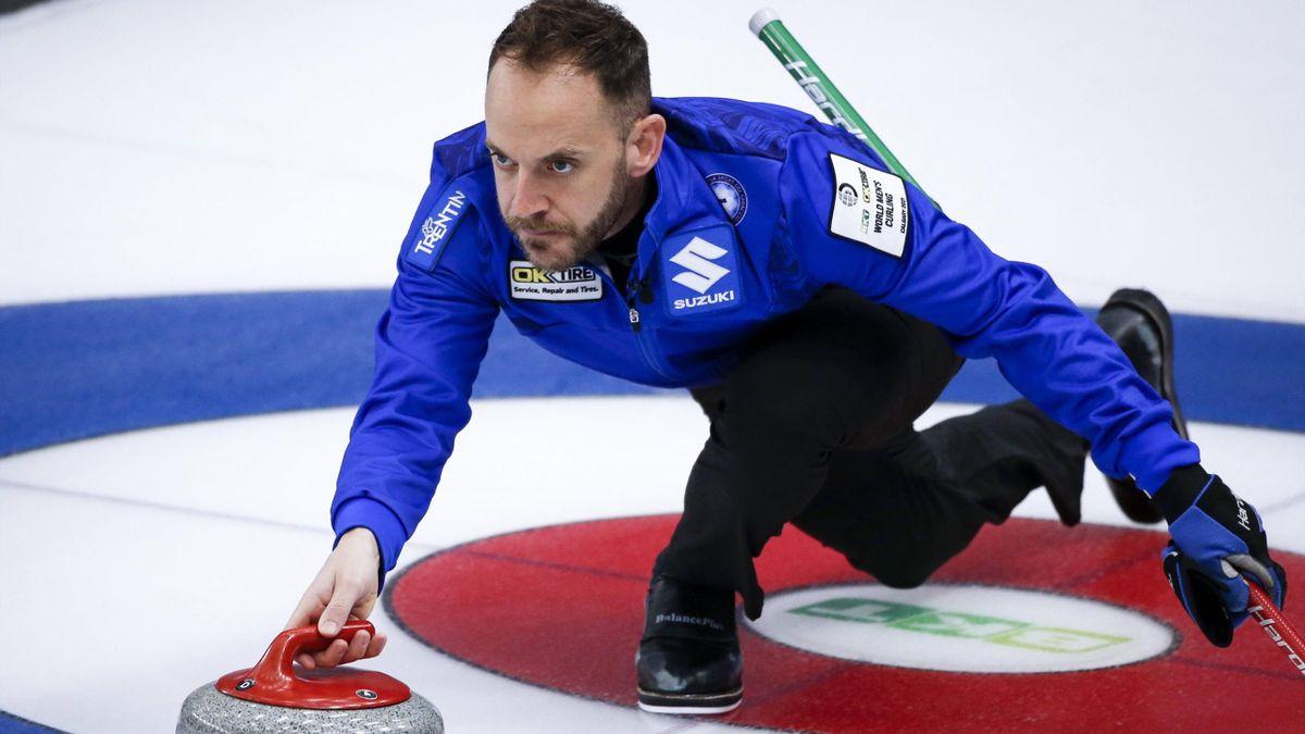 Joel Retornaz durante Italia-Svezia ai Mondiali di Curling 2021 - Imago pub only in ITAxGERxSUIxAUT