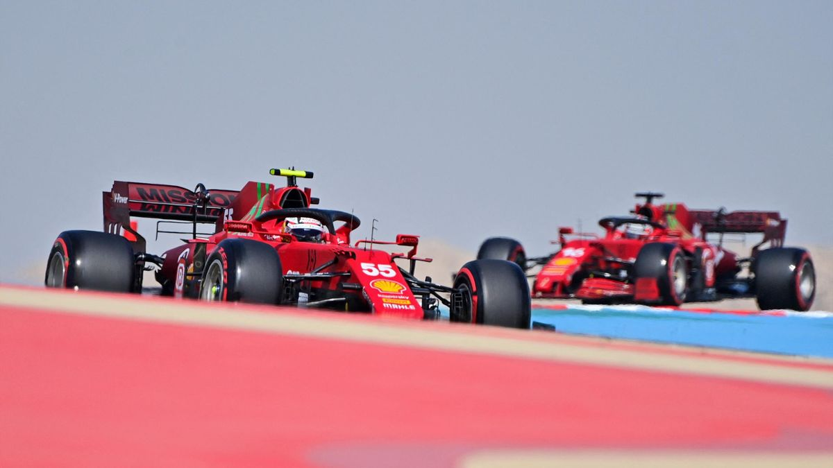 Carlos Sainz Jr e Charles Leclerc (Ferrari) a Sakhir (Bahrain)