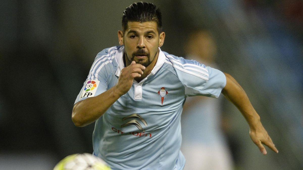 Celta Vigo's forward Nolito chases the ball during the Spanish league football match Celta Vigo vs Getafe CF