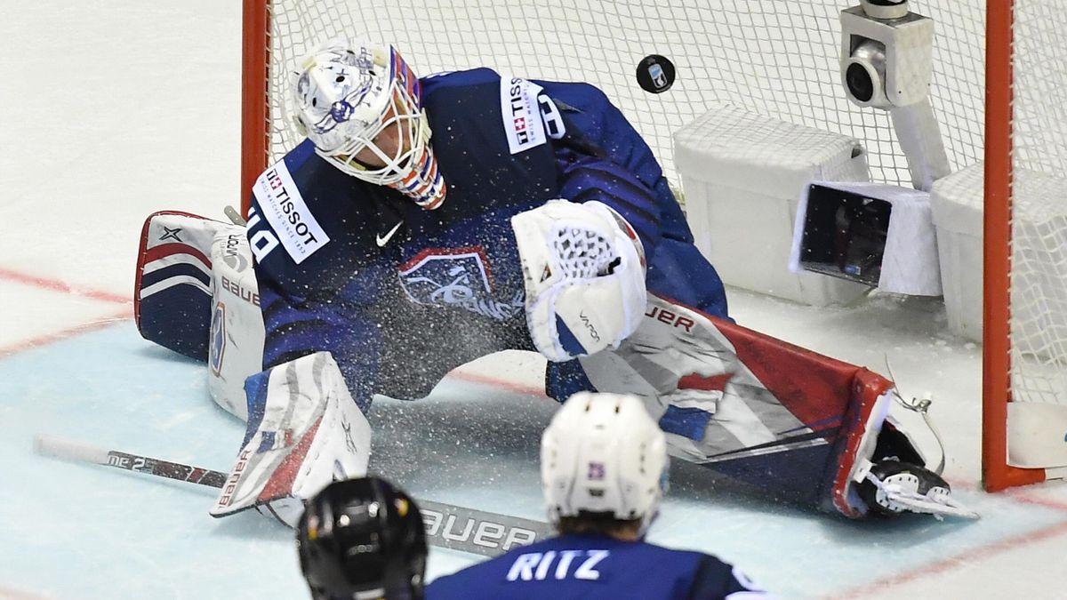Le gardien de l'équipe de France de hockey Florian Hardy lors de France - Allemagne, match des championnats du monde de hockey sur glace