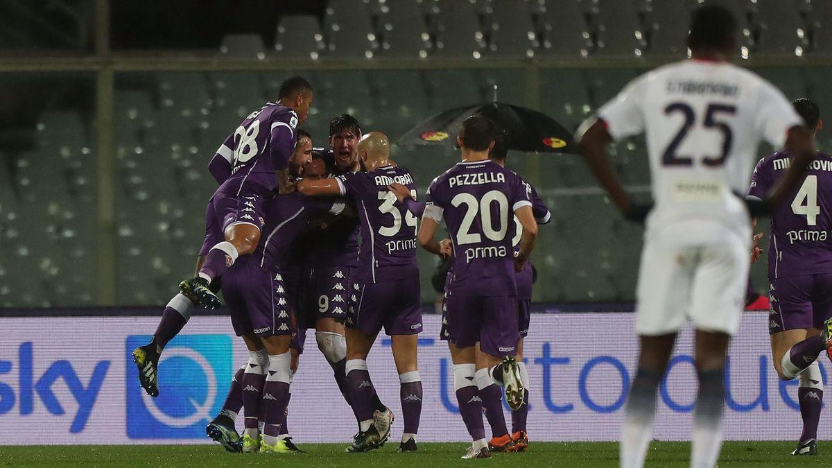 Fiorentina-Crotone, Serie A 2020-2021: l'esultanza della Fiorentina dopo il gol del 2-0 di Dusan Vlahovic (Getty Images)