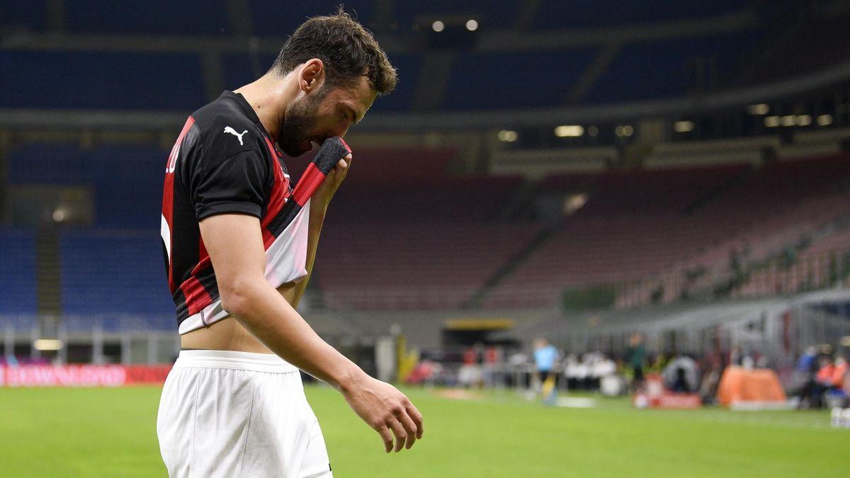 Hakan Calhanoglu, Milan, Serie A 2020/2021, Getty Images