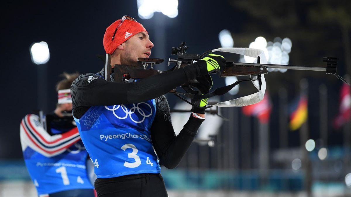Arnd Peiffer vergibt am Schießstand Gold für die deutsche Biathlon-Mixed-Staffel