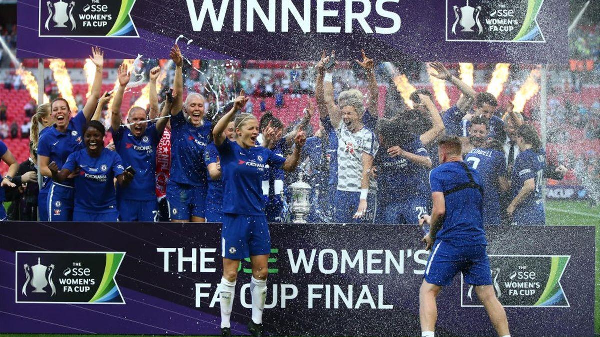 Chelsea, noua campioană a Angliei la fotbal feminin