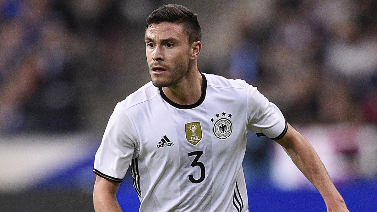 Jonas Hector vom 1. FC Köln im Nationaltrikot