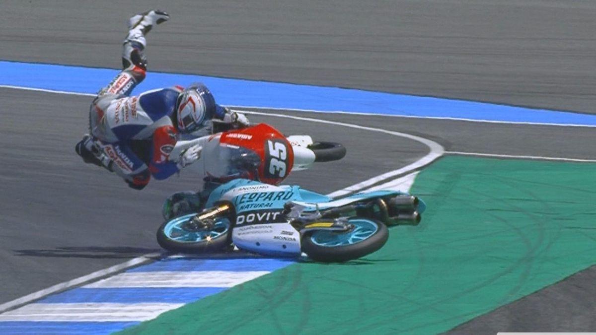 MOTO 3 Thailand: Bastianini and chantra crash