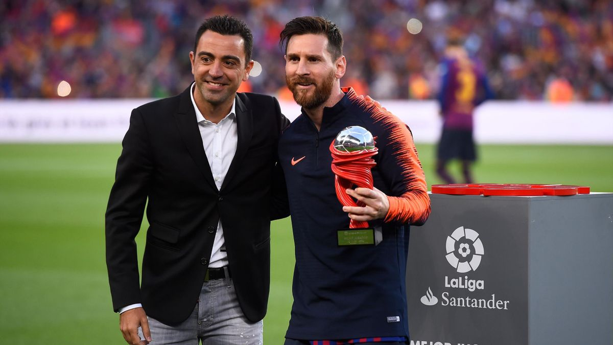 Lionel Messi Would Only Sign New Barca Deal If Xavi Is Appointed Boss Paper Round Eurosport