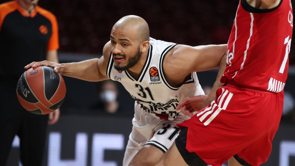 Shavon Shields #31 of AX Armani Exchange Milan during the 2020/2021 Turkish Airlines Euroleague Play Off Game 3 between FC Bayern Munich and AX Armani Exchange Milan at Audi Dome on April 28, 2021 in Munich, Germany.