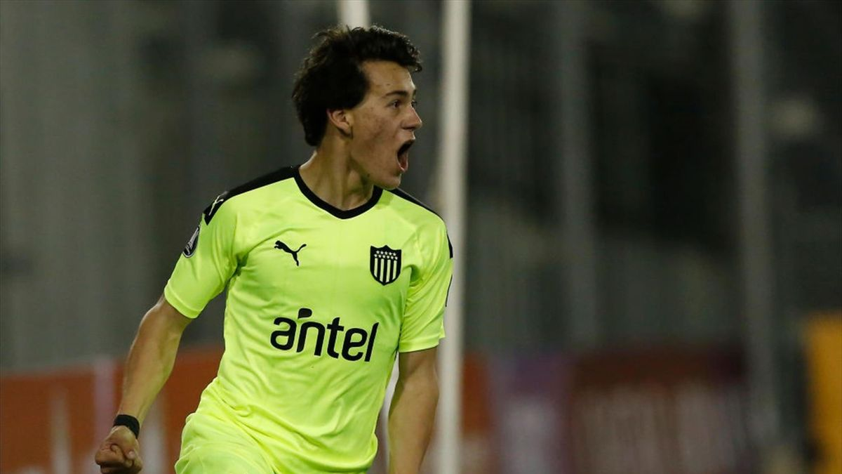 Facundo Pellistri of Peñarol celebrates